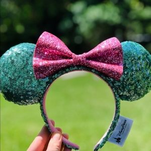 Authentic Disney Parks Minnie Mint green Ears